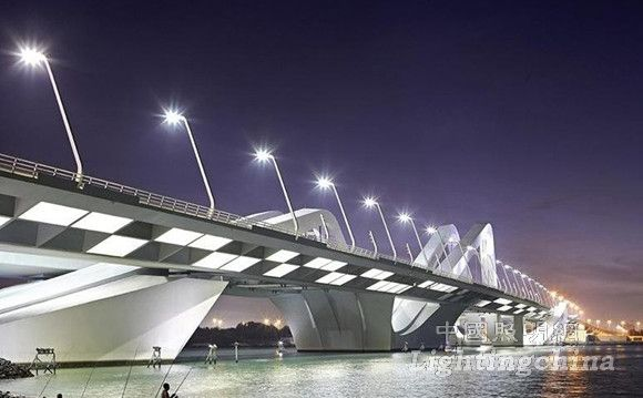 阿布扎比Sheikh Zayed Bridge道路照明设计
