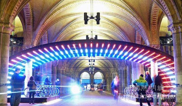 荷兰国家博物馆通道照明与自行车灯战设计